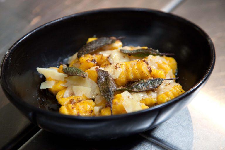 Gnocchi di zucca con burro e salvia (Pumpkin gnocchi with sage and butter)